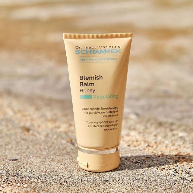 Blemish Balm - et absolutt «must have» produkt etter Green Peel behandlingene, men også en fantastisk behandlende foundation. Kremen gir en strålende hud og jevner ut ujevnheter Den kommer i 3 størrelser og i 3 naturlige farger. 📸  @bethsbeautycenter