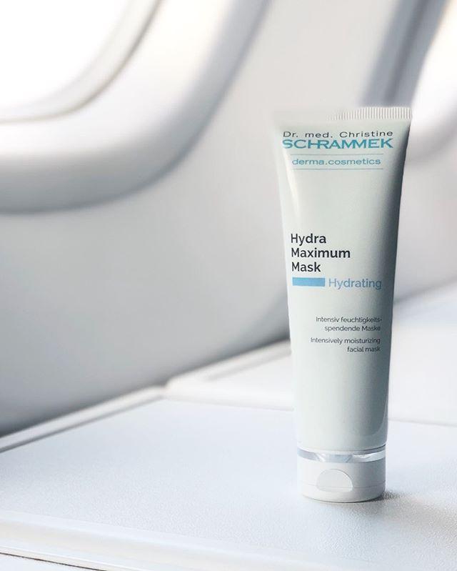 Up in the air️️ Ha med Hydra Maximum Mask på flyturen og påfør mange ganger for en frisk, glødende og gjennomfuktet hud ved ankomst🏻 Psst... Brukes som nattkrem på sydenferien